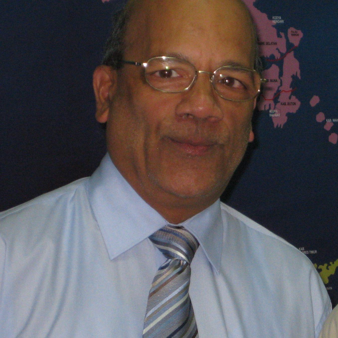 Dinesh Shah Headshot